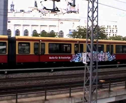 UNLIKE U : Trainwriting in Berlin