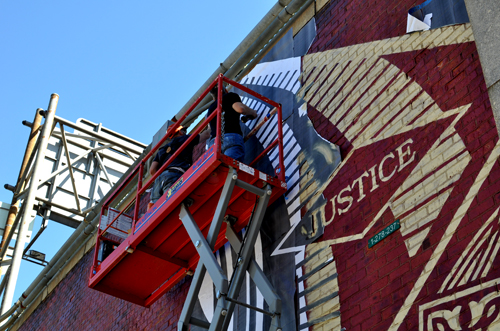Painting The City : Shepard Fairey