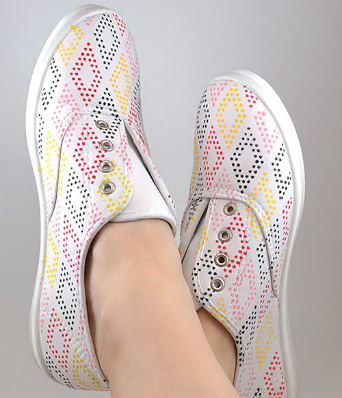 DIY Dot Patterned Sneakers